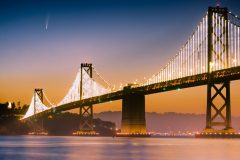 neo1-NEOWISE-is-photographed-above-the-Oakland-Bay-Bridge-in-San-Fransisco-California-just-after-dawn-on-July-7-2020.-Image-by-Shreenivasan-Manievannan