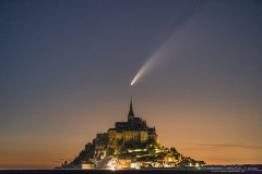 neo3-from-Thierry-Legault-over-Mont-Saint-Michel-in-France